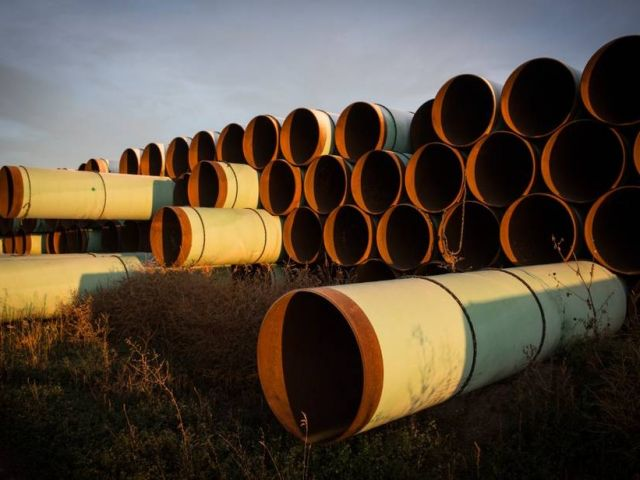 keystone-xl-unused-1000_andrew-burton-getty